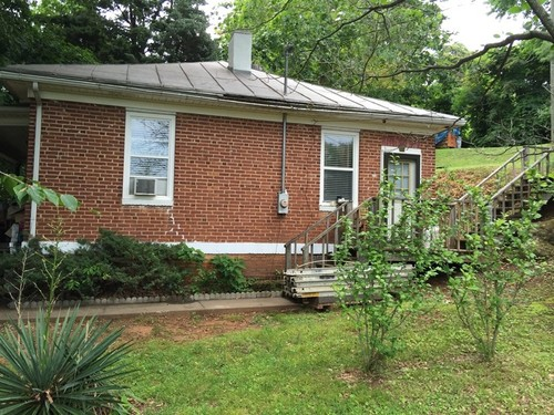 Home with Updates in Town of Stuart - Loblolly Lane - Stuart, VA